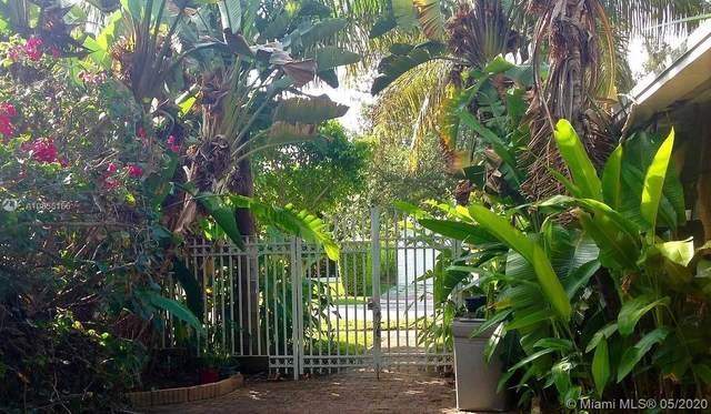 440 S Shore Dr, Miami Beach, FL 33141 (MLS #A10858186) :: The Paiz Group