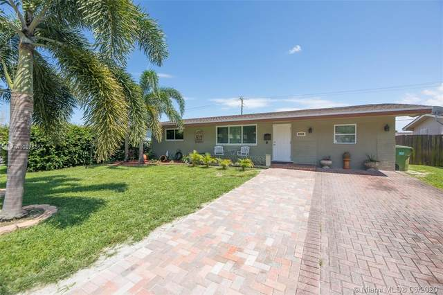 8520 NW 16th St, Pembroke Pines, FL 33024 (MLS #A10876517) :: Castelli Real Estate Services