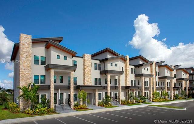 10455 NW 82nd St #31, Doral, FL 33178 (MLS #A10902526) :: Search Broward Real Estate Team