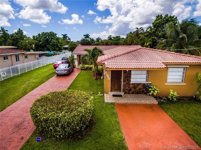 8820 SW 27th St, Miami, FL 33165 (#A10913075) :: Posh Properties