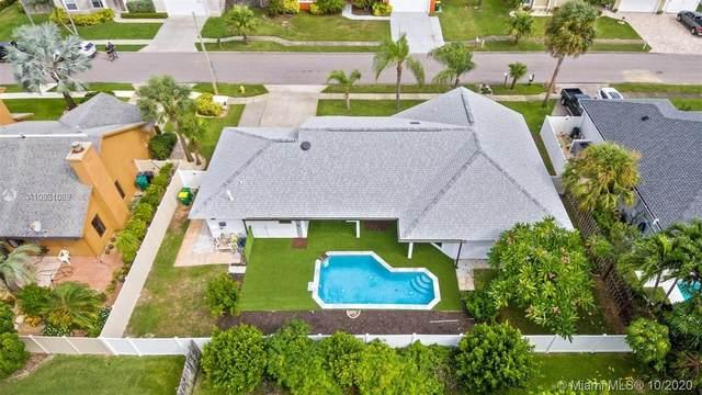 409 Lighthouse Landing St, Satellite Beach, FL 32937 (MLS #A10931089) :: Berkshire Hathaway HomeServices EWM Realty