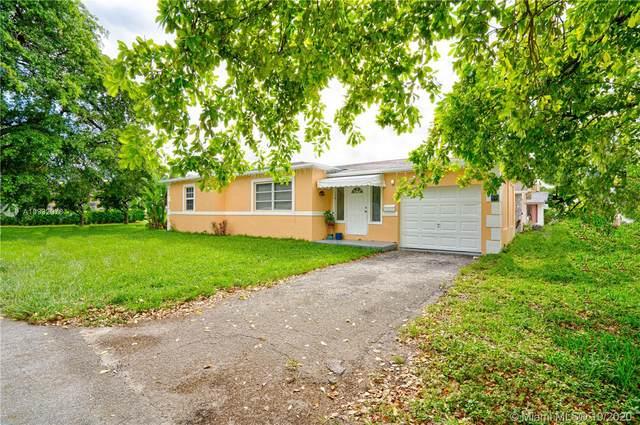 1824 N 23rd Ave, Hollywood, FL 33020 (MLS #A10932078) :: Berkshire Hathaway HomeServices EWM Realty