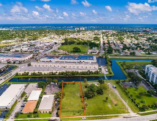 2460 N Australian Ave, West Palm Beach, FL 33407 (MLS #A10946255) :: Green Realty Properties