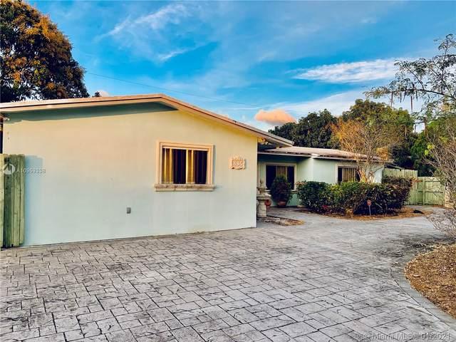 835 W 69th St, Hialeah, FL 33014 (MLS #A10959338) :: The Riley Smith Group