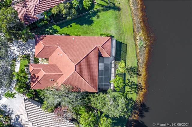 2743 Oakbrook Dr, Weston, FL 33332 (MLS #A10969689) :: The Riley Smith Group