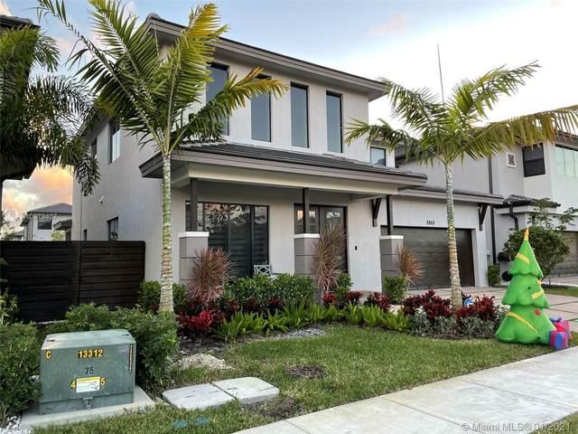 8868 NW 161st Ter, Miami Lakes, FL 33018 (MLS #A10979407) :: Miami Villa Group