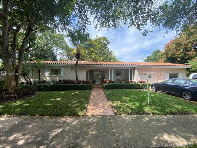 819 Paradiso Ave, Coral Gables, FL 33146 (MLS #A10984209) :: The Riley Smith Group