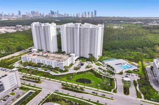 14951 Royal Oaks Ln #2303, North Miami, FL 33181 (MLS #A11002311) :: The Riley Smith Group