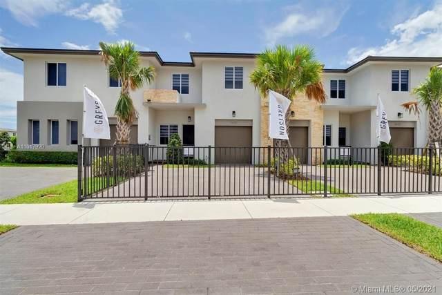 1641 Pioneer Way, Royal Palm Beach, FL 33411 (MLS #A11017920) :: Berkshire Hathaway HomeServices EWM Realty