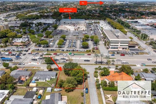 11450 SW 40th St, Miami, FL 33165 (MLS #A11020200) :: Castelli Real Estate Services