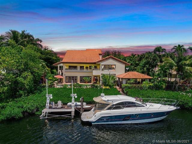 7260 W Lago Dr, Coral Gables, FL 33143 (MLS #A11026382) :: The Riley Smith Group