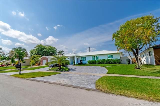 425 SE 3rd Pl, Dania Beach, FL 33004 (MLS #A11028201) :: Rivas Vargas Group