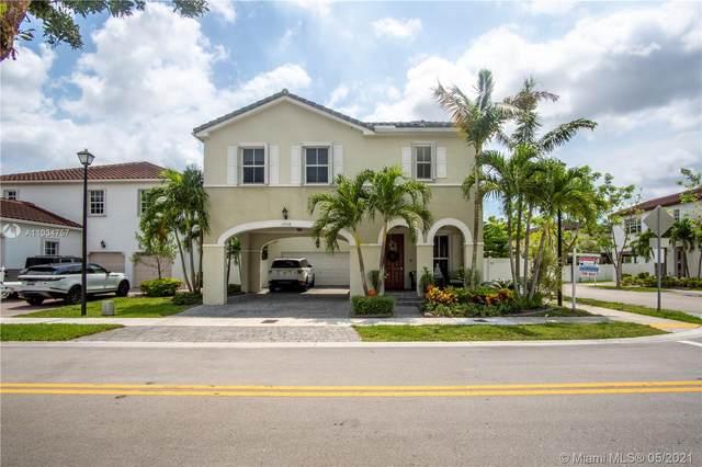 17058 SW 94th Ln, Miami, FL 33196 (MLS #A11034757) :: The Riley Smith Group