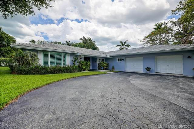 16121 SW 87th Ct, Palmetto Bay, FL 33157 (MLS #A11039756) :: The Rose Harris Group