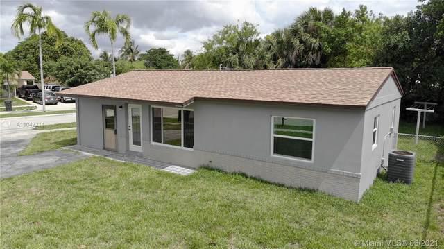 6281 SW 18th Ct, North Lauderdale, FL 33068 (MLS #A11042214) :: Team Citron