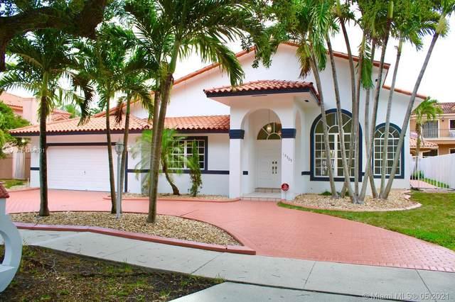 16305 NW 83rd Ct, Miami Lakes, FL 33016 (MLS #A11044101) :: Berkshire Hathaway HomeServices EWM Realty