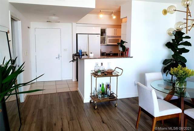 335 S Biscayne Bl #902, Miami, FL 33131 (#A11045225) :: Posh Properties