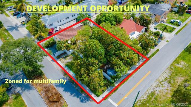 1725 Hayes St, Hollywood, FL 33020 (MLS #A11045242) :: Berkshire Hathaway HomeServices EWM Realty