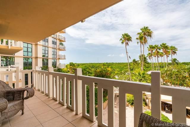 1111 Crandon Blvd B404, Key Biscayne, FL 33149 (MLS #A11045350) :: Green Realty Properties