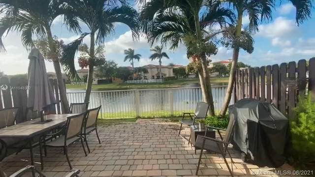 10915 NW 79th St, Doral, FL 33178 (MLS #A11048302) :: The Teri Arbogast Team at Keller Williams Partners SW