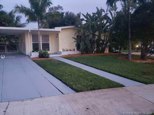 936 Duval St, Lantana, FL 33462 (MLS #A11055605) :: Team Citron