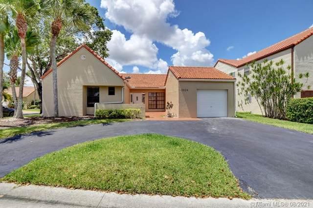 2024 Maplewood Way, Coral Springs, FL 33071 (MLS #A11056501) :: Douglas Elliman