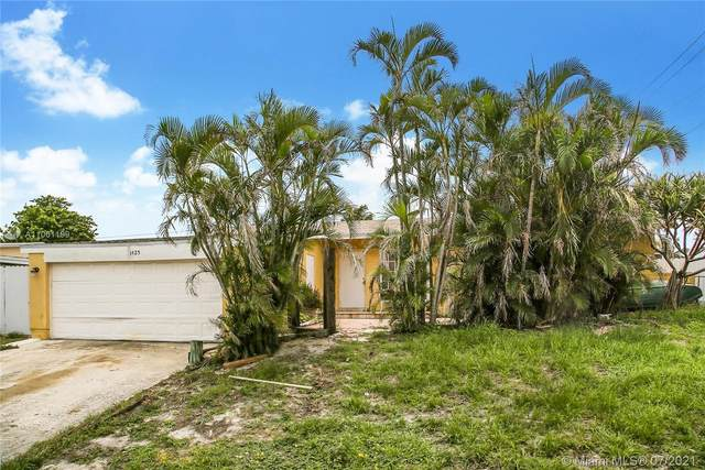 1425 Hillcrest Dr, Lake Worth, FL 33461 (MLS #A11061199) :: Castelli Real Estate Services