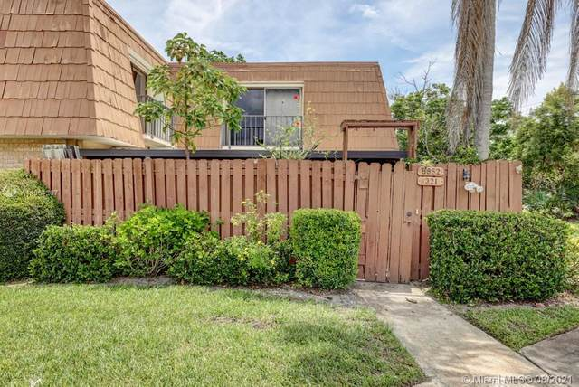 5852 SE Riverboat Drive #321, Stuart, FL 34997 (MLS #A11064307) :: Onepath Realty - The Luis Andrew Group