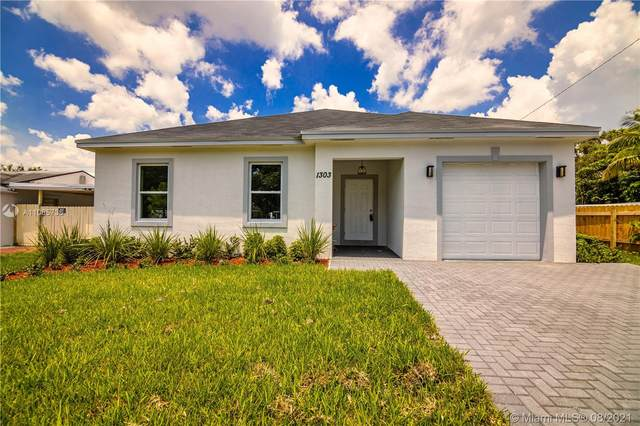 1303 SW 25th Ave, Fort Lauderdale, FL 33312 (MLS #A11065736) :: The Rose Harris Group