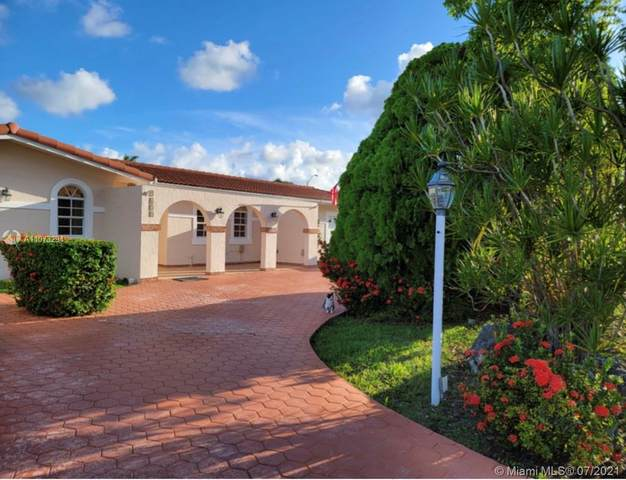 9650 SW 17th St, Miami, FL 33165 (MLS #A11073294) :: Prestige Realty Group