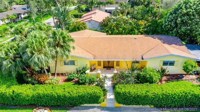 9500 SW 92nd St, Miami, FL 33176 (MLS #A11085965) :: All Florida Home Team