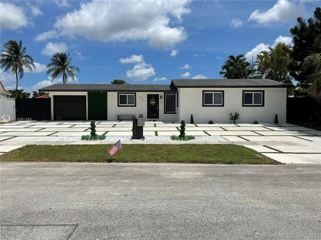17831 NW 84th Ct, Miami, FL 33015 (MLS #A11091385) :: Jo-Ann Forster Team