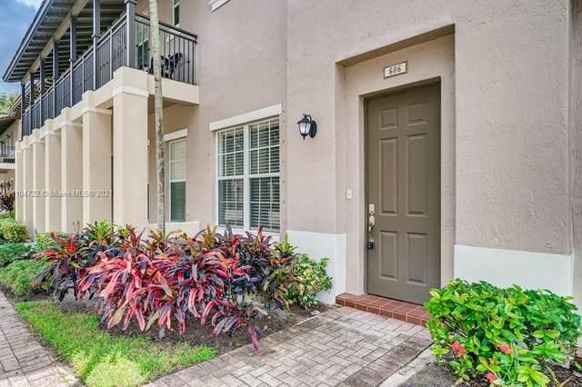 606 SW 147th Avenue 2-37, Pembroke Pines, FL 33027 (MLS #A11104722) :: Patty Accorto Team
