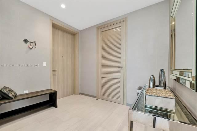 1000 Brickell Plz Ph5307, Miami, FL 33131 (MLS #A11110097) :: Berkshire Hathaway HomeServices EWM Realty