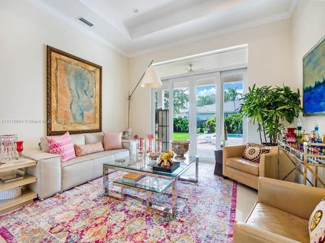 12316 SW 94th Pl, Miami, FL 33176 (MLS #A11110664) :: Castelli Real Estate Services