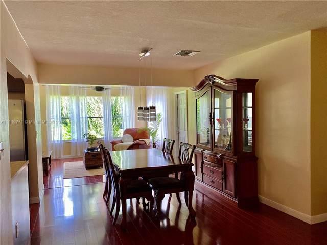 2427 Jackson St, Hollywood, FL 33020 (MLS #A11116771) :: Rivas Vargas Group