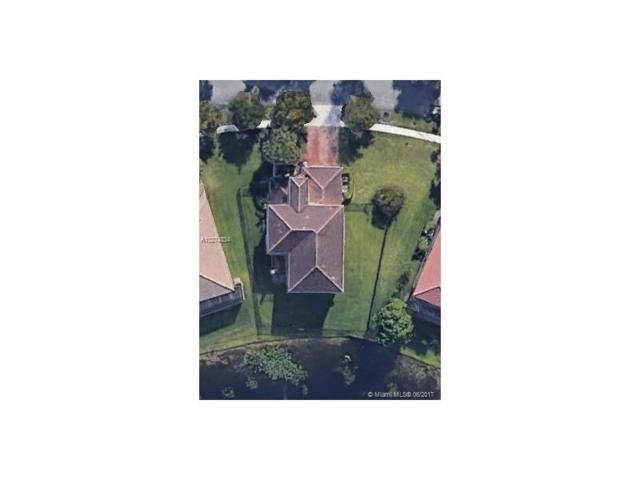 2718 SW 130th Ter, Miramar, FL 33027 (MLS #A10274834) :: Christopher Tello PA
