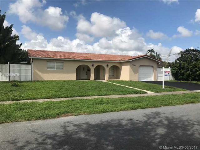 5940 SW 14th St, Plantation, FL 33317 (MLS #A10298875) :: The Teri Arbogast Team at Keller Williams Partners SW