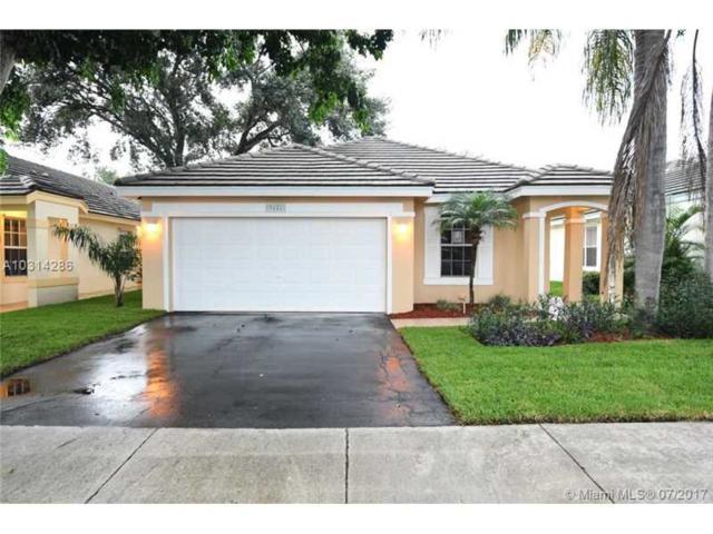 9121 N Lake Park Cir N, Davie, FL 33328 (MLS #A10314286) :: Green Realty Properties