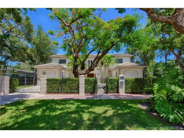 5817 Riviera Dr, Coral Gables, FL 33146 (MLS #A10328244) :: The Riley Smith Group