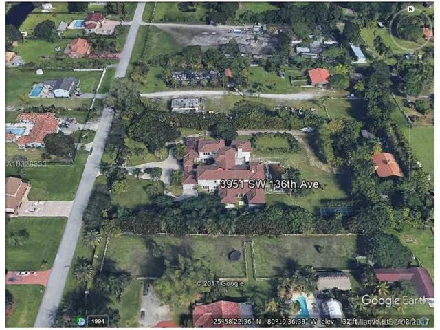 3951 SW 136th Ave, Miramar, FL 33027 (MLS #A10328333) :: RE/MAX Presidential Real Estate Group
