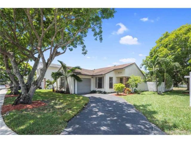 531 Green River Ln, Davie, FL 33325 (MLS #A10328361) :: RE/MAX Presidential Real Estate Group