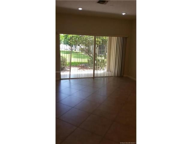 435 SW 122nd Ter, Pembroke Pines, FL 33025 (MLS #A10331732) :: The Chenore Real Estate Group