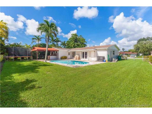 10921 SW 104 Ave, Kendall, FL 33176 (MLS #A10341935) :: Green Realty Properties