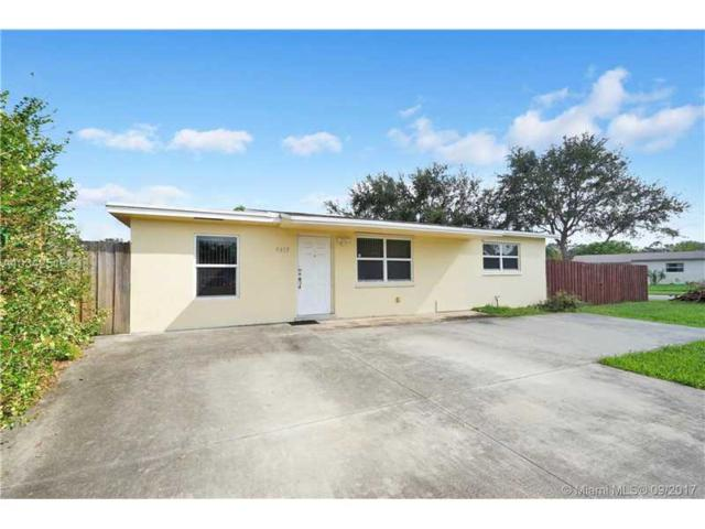 9413 SW 51st Pl, Cooper City, FL 33328 (MLS #A10342519) :: Green Realty Properties