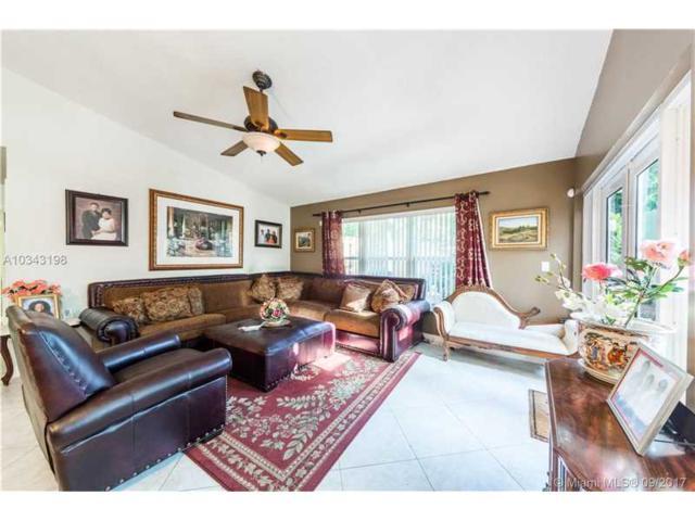 5600 SW 98th Way, Cooper City, FL 33328 (MLS #A10343198) :: Green Realty Properties