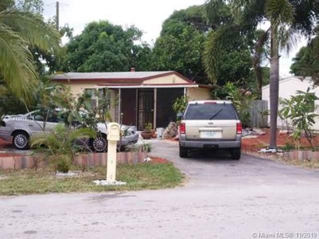 2561 NE 12th Ave, Pompano Beach, FL 33064 (MLS #A10418879) :: Laurie Finkelstein Reader Team