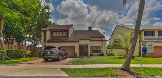 15041 SW 89th Terr Rd, Miami, FL 33196 (MLS #A10490154) :: Berkshire Hathaway HomeServices EWM Realty