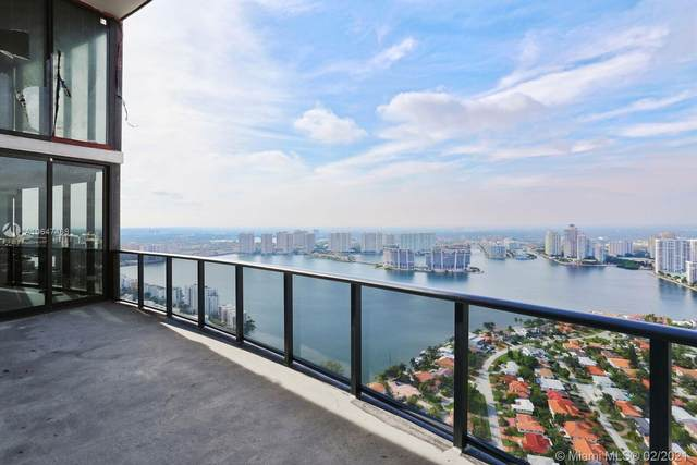 18555 Collins Ave #4404, Sunny Isles Beach, FL 33160 (MLS #A10647468) :: Green Realty Properties