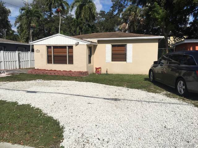 853 SW 12th St, Fort Lauderdale, FL 33315 (MLS #A10719820) :: RE/MAX